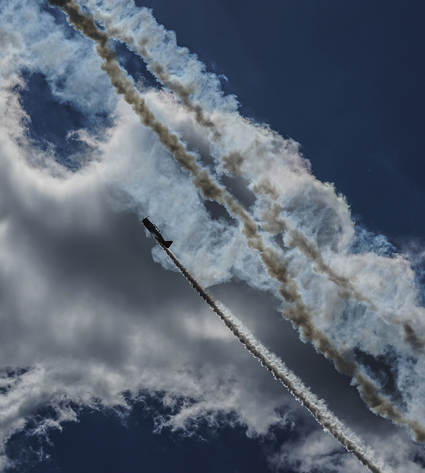 Sony A7s, 90mm FE, 15000 @ f7.1, ISO 100    --AeroShell Aerobatics Team    North American T-6 Texan